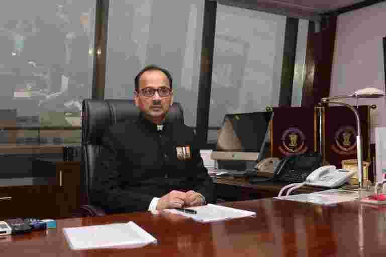 Alok Verma仍然是Rakesh Asthana特别董事,CBI表示